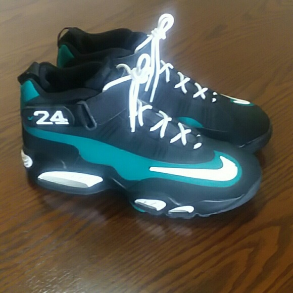 sports shoes e0b4e 4a8a0 Nike Air Griffey MAX1